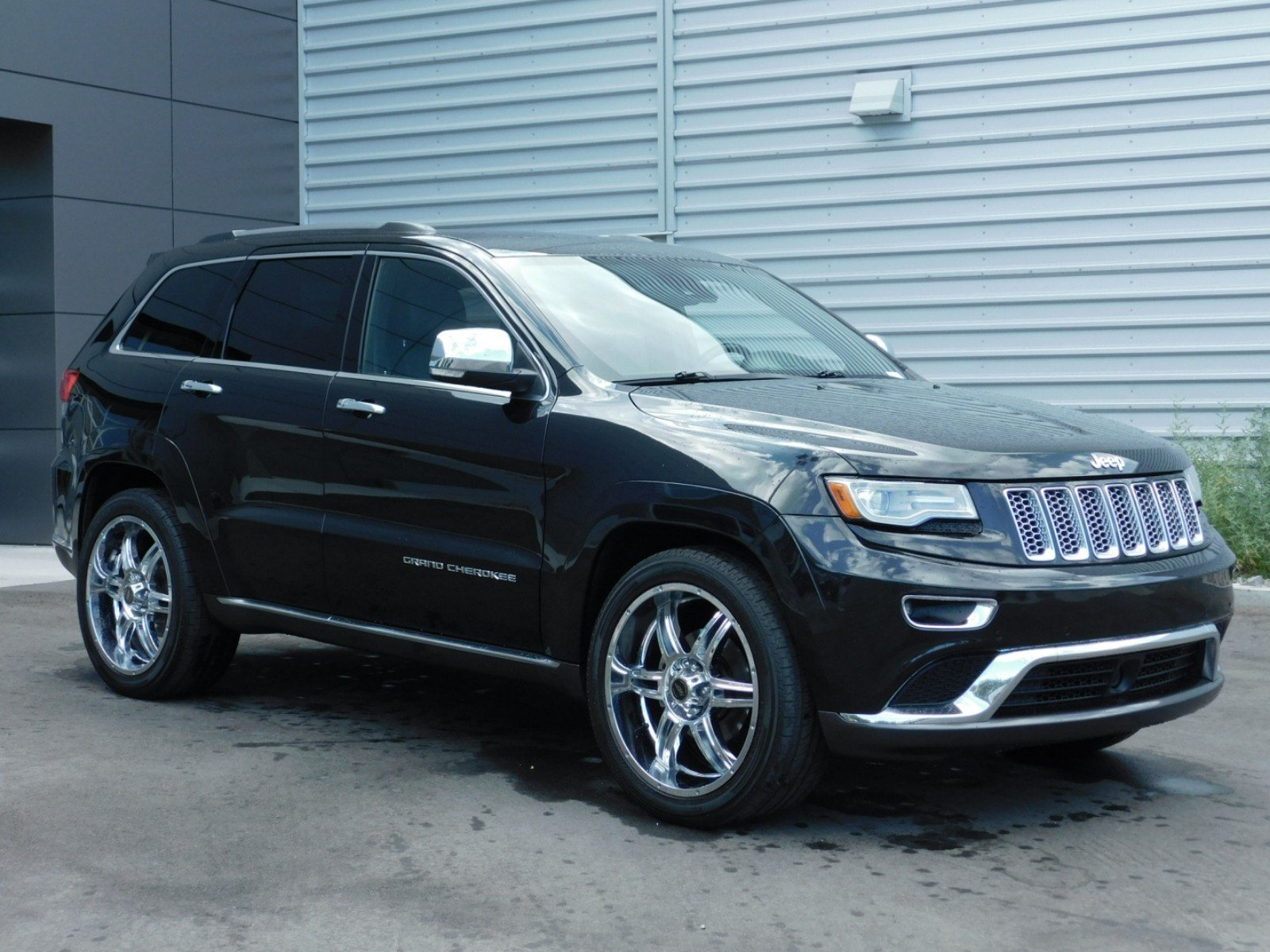 Pre Owned 2014 Jeep Grand Cherokee Summit