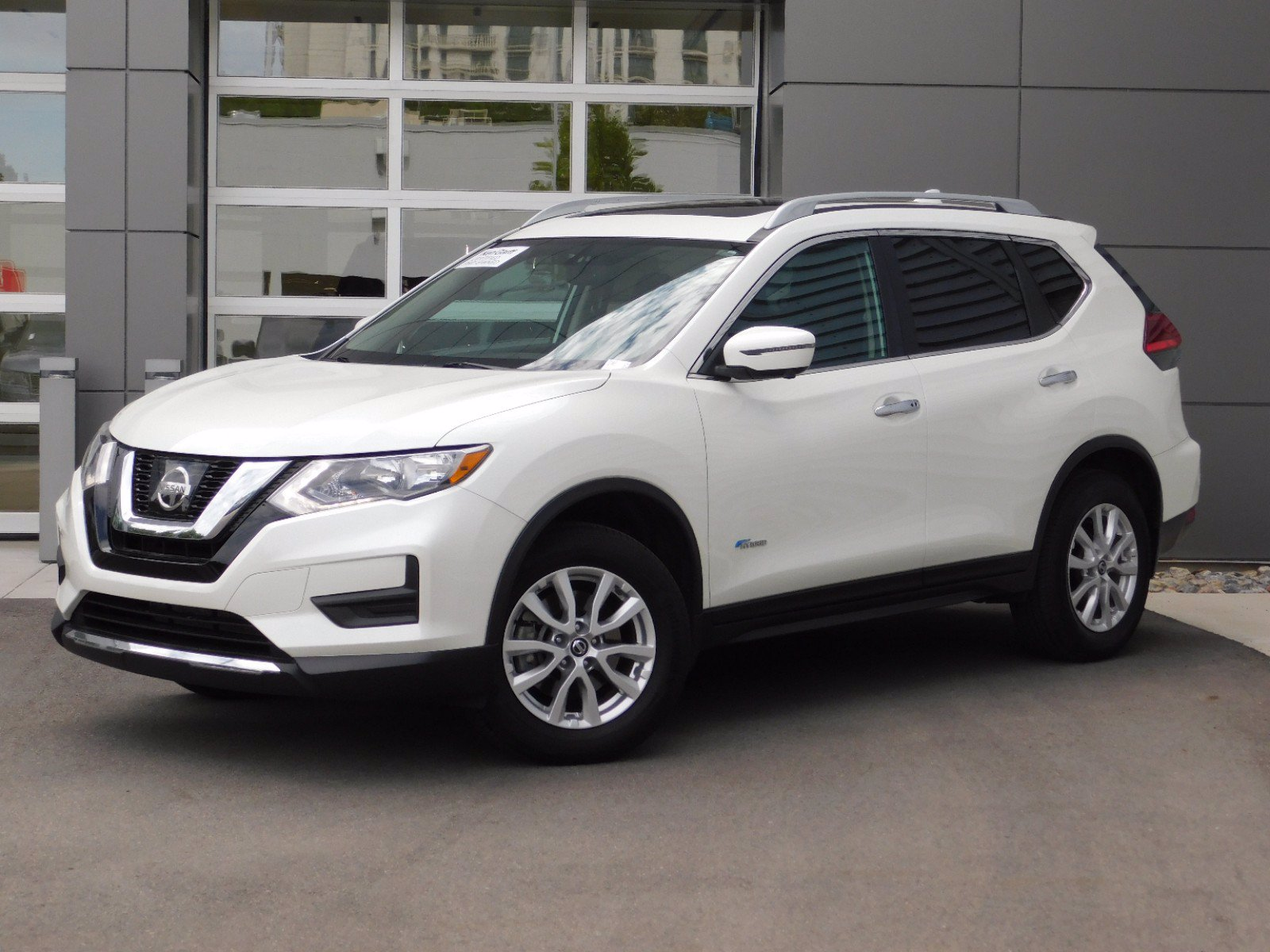 Pre-Owned 2017 Nissan Rogue SV Hybrid