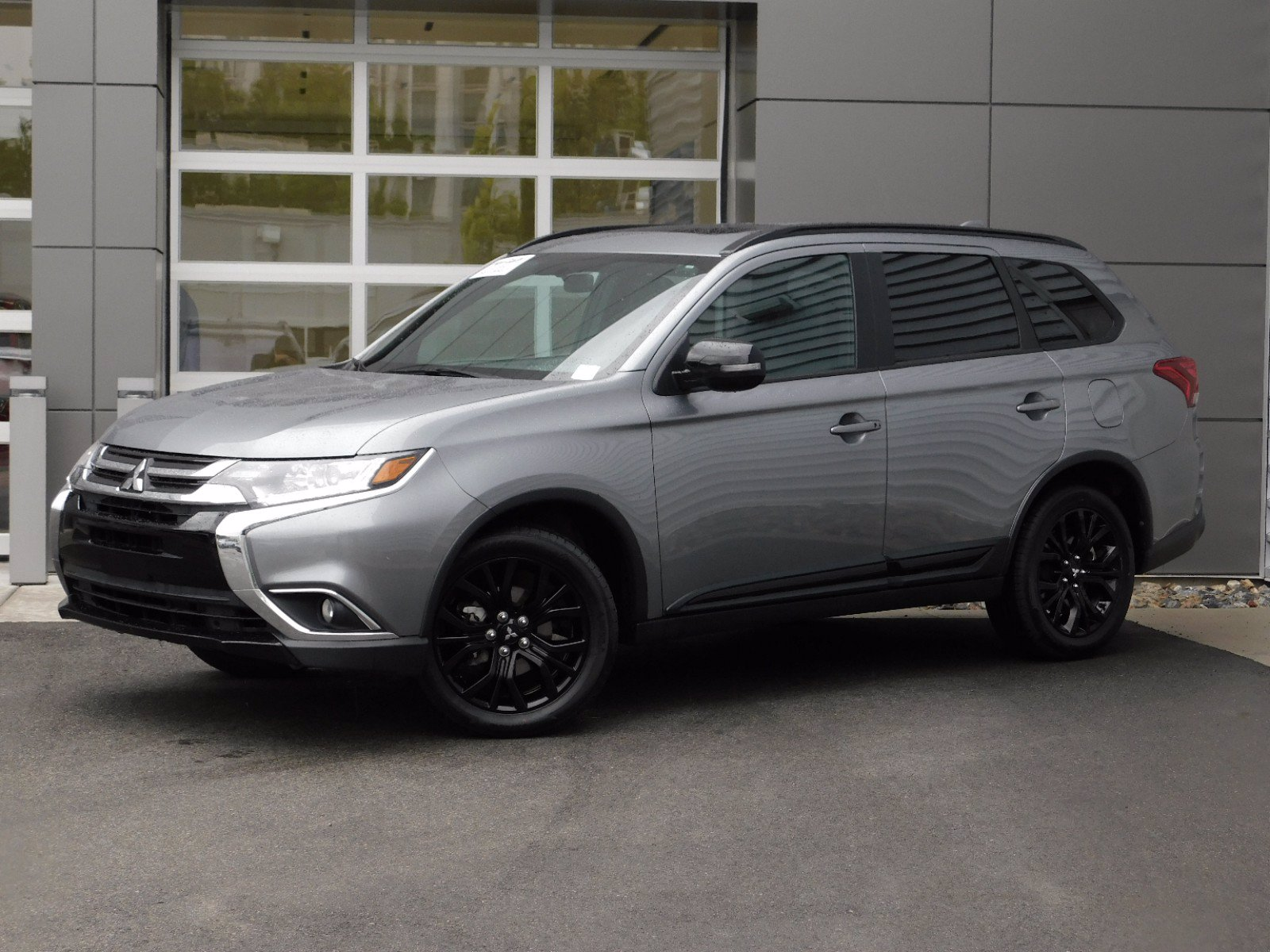 Pre-Owned 2018 Mitsubishi Outlander WAGON 4 DOOR