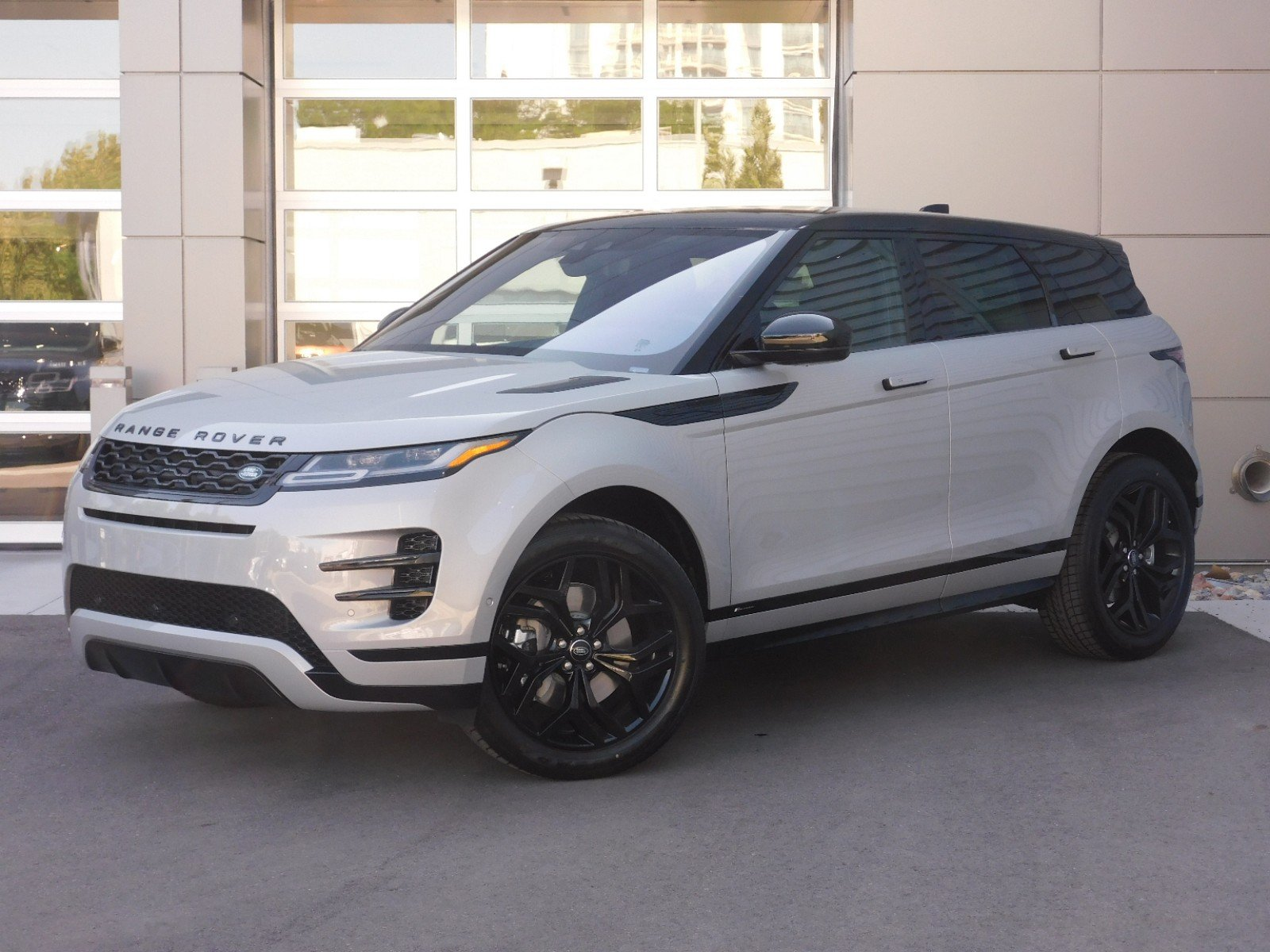New 2020 Land Rover Range Rover Evoque R-Dynamic SE AWD